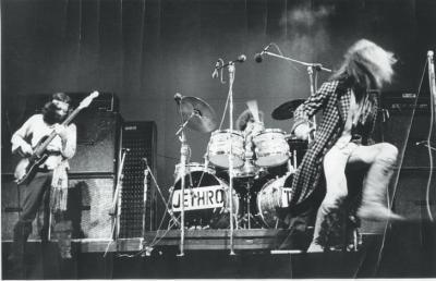 1968-claude-nobs-archves-jethro-tull-pp-104-105_0.jpg